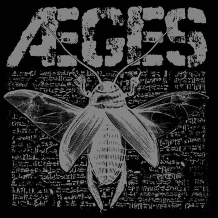 """Roaches b/w Dirt 7"""" EP cover art"""