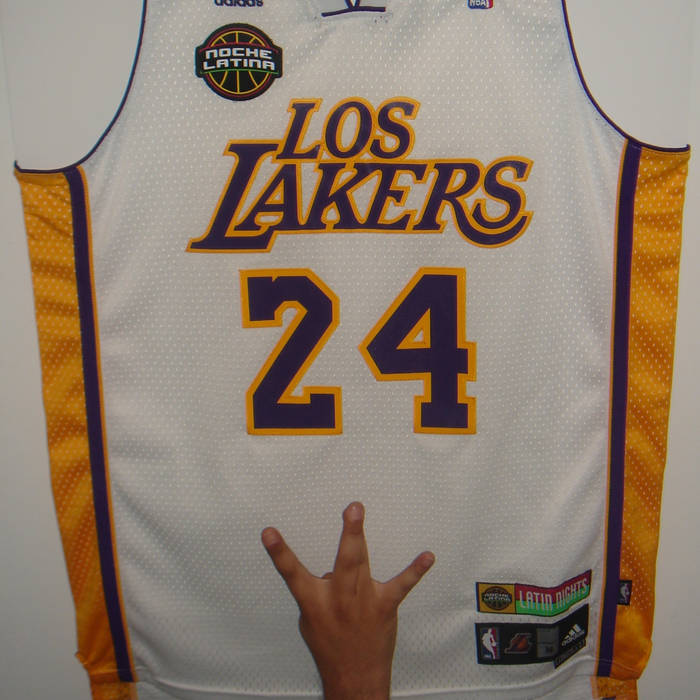 Kobe Bryant on 'em! cover art