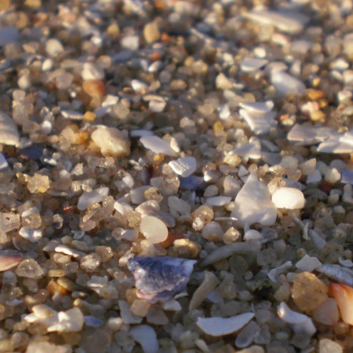 Comodoro beach cover art